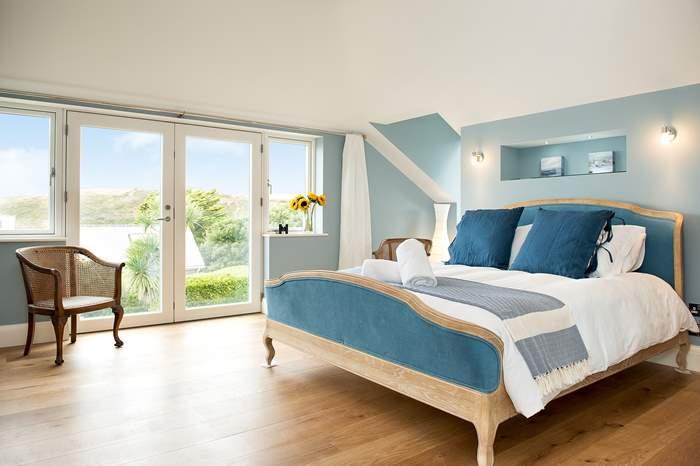 Eastnor,Sleeps 12 + 4 cots, Polzeath