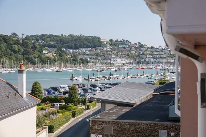 40 Dart Marina,Sleeps 4 + 2 cots, Dartmouth