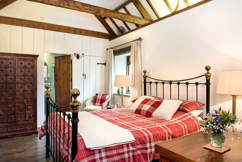 Meadow Barn's double bedroom.