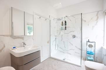 Wake yourself up in the morning - the en suite to the master bedroom