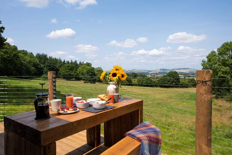 Huxham Hideaway, the perfect unique retreat with the most oustanding views.