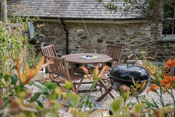 Old Forge Cottage,Sleeps 5 + cot, 4.7 miles NE of Ivybridge