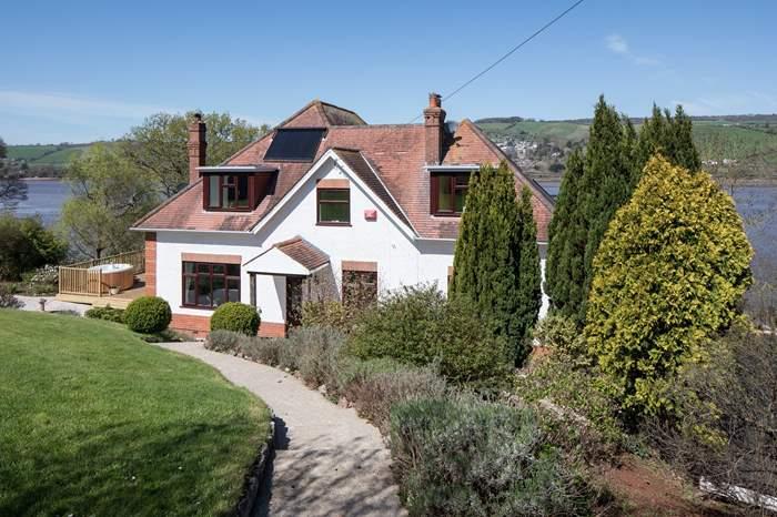 Meadowcliff House,Sleeps 10 + cot, 5.4 miles N of Torquay