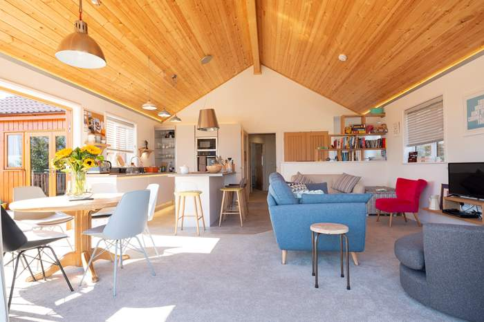 The Bolthole,Sleeps 8 + cot, Portscatho