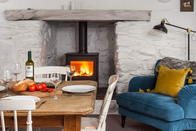 This little cottage has the most fabulous contemporary wood-burner, perfect for cosy evenings curled up with a book.