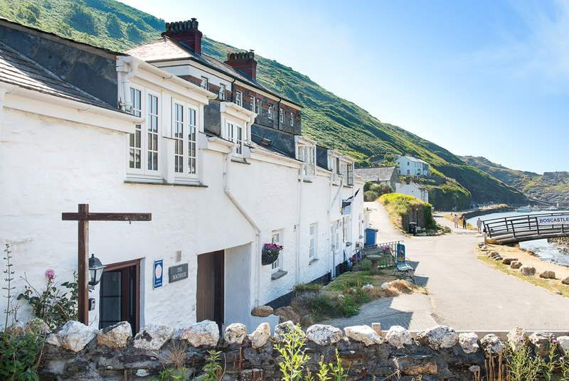 This lovely cottage is in the picturesque coastal village of Boscastle.
