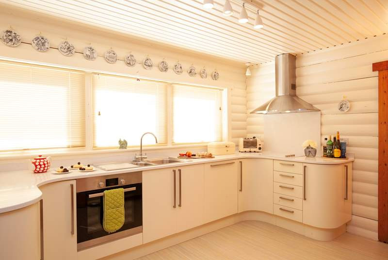 The modern and well-equipped kitchen.