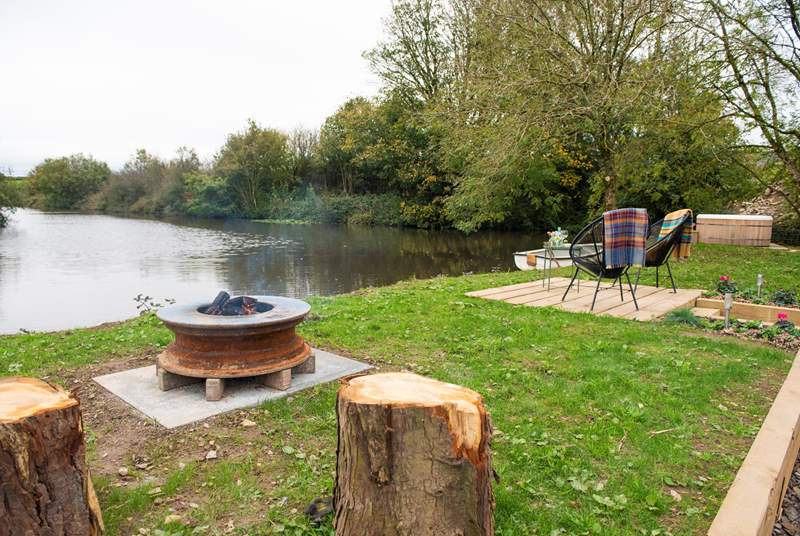 This idyllic rural retreat even has its very own lake, full of cold-water fish (i.e. carp) - the owners are happy for you to bring a fishing rod.