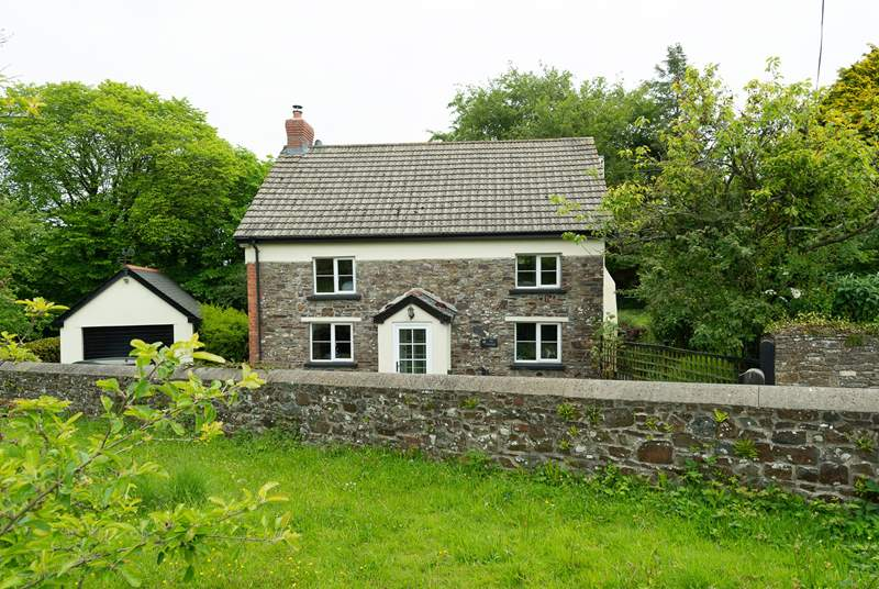The Cottage is a traditional Devon cottage hidden away in a tranquil rural location. It has a large enclosed garden.