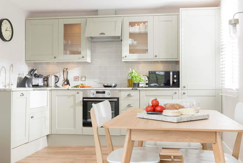An example of a kitchen in the lovely Harbour View Apartments.