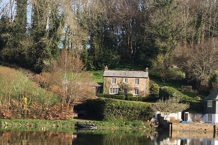 Cottages near The Ship Inn Lerryn