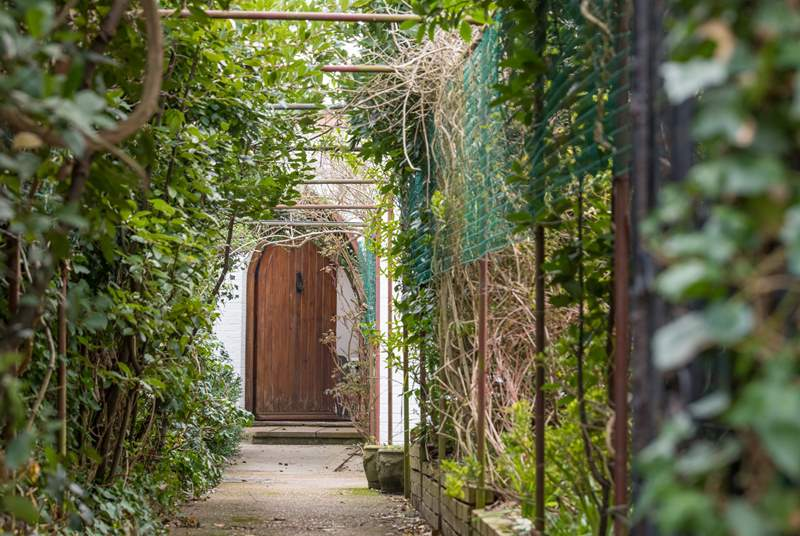 When arriving at Buckland Place and walking through the archway to the entrance it will remind you of a secret retreat