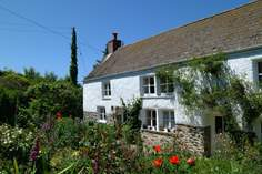 Bunnell Cottage - Holiday Cottage - 2 miles W of Helford