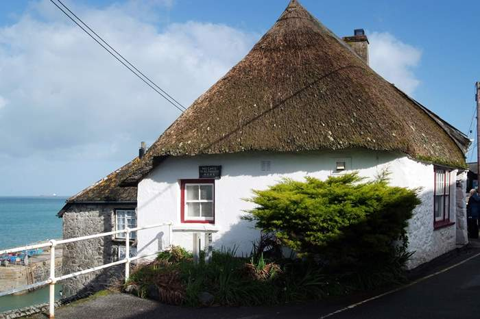 Cottages near Coverack Windsurfing Centre