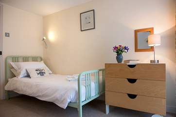 ..and the second single bedroom.