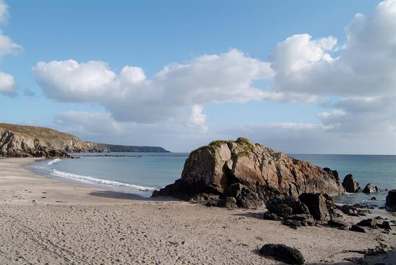 Family-friendly Kennack Sands is just a short drive away.