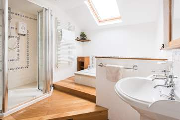 Large shower cubicle, a sunken bath, what more could you need.