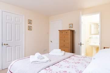 This bedroom has an en-suite wet-room (Bedroom 1).